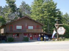 Henrietta's Pine Bakery in Dwight, Ontario Lake of Bays
