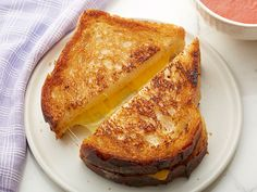 Classic American Grilled Cheese recipe from Jeff Mauro via Food Network Soup-n-sandwich king: Grilled cheese is a delicious classic that's easy to adapt by mixing and matching breads, cheese and soups on the side. Jeff Mauro, Food Network Recipes, Cooking Recipes, Grilling Recipes, Best Grilled Cheese, Classic Grilled Cheese Recipe, Grilled Food, American Cheese, Comfort Food