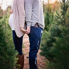 21 Christmas Pregnancy Announcement Ideas - Babybauch fotoshooting - Baby World