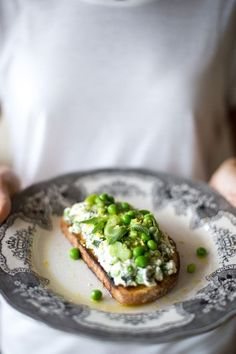Make Green Spring Toast for Easter brunch with this easy recipe.