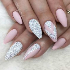 Nail Designs For Prom Picture 36 amazing prom nails designs queens top 2020 pinke Nail Designs For Prom. Here is Nail Designs For Prom Picture for you. Nail Designs For Prom 100 prom nail art designs for stunning prom nails. Silver Glitter Nails, Gold Nails, Blue Nails, Glitter Nikes, Glitter Hair, Nagellack Design, Trendy Nail Art, Prom Nails, Wedding Nails