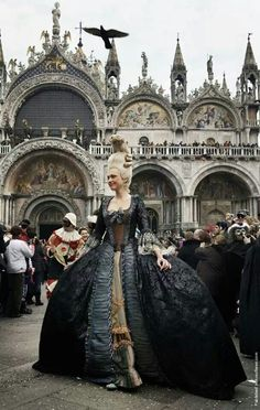 Carnival in Venice. The Carnival of Venice is an annual festival, held in Venice, Italy. St Mark's Square is the fulcrum of Carnival activities, and that's where you'll find the most extraordinary costumes - many hoping for a chance in the best costume Marie Antoinette, Carnival Activities, Rome Florence, Costume Venitien, Wow Photo, Carnival Of Venice, Venice Carnival Costumes, Carnival Masks, Gothic Fashion