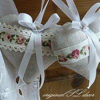 Prodané zboží od Soňa L. Small Sewing Projects, Sewing Crafts, Valentine Crafts, Valentines, Crafts To Make, Diy Crafts, Patchwork Heart, Shaby Chic, Fabric Hearts