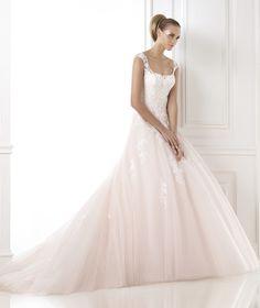 http://www.oncewed.com/wp-content/dressListingsPhotos/2012Theme/226726/BIA_B.jpg