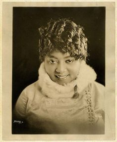 Mamie Smith - The First Black Woman to record a vocal Blues (1920)