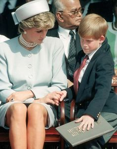 May Princess Diana was joined by Prince William & Prince Harry at the Anniversary Celebration of VE Day in Hyde Park , London. Princess Diana Fashion, Princess Diana Photos, Princess Diana Family, Princess Pictures, Prince And Princess, Princess Of Wales, Lady Diana Spencer, Diana Son, Prince Harry Of Wales