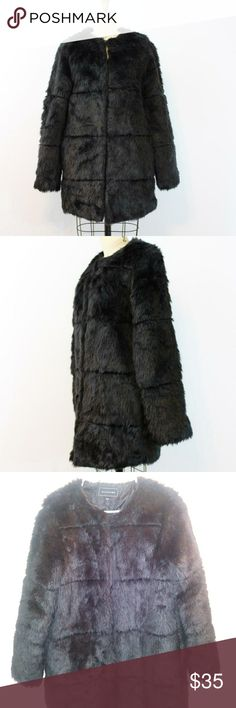 Metaphor Women's Faux Fur Coat   Size Large       Super soft, super fluffy and super Mod. This amazing Faux Furr jacket is a compliment magnet just waiting to happen. Let this make your holiday season and perfect for a festival. Can fit boho style or old Hollywood glam style just that much more amazing!   True to size.  Faux Fur.  Import.  Pockets.  Clasps Down the Front.  ...  Good condition Metaphor Jackets & Coats