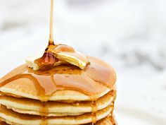 Do not want to make a whole batch of pancakes and only want two or three. Why not try this quick and easy single serving pancake recipe to start your morning. Add your favorite toppings to jazz it up any way you want. Dairy Free Pancakes, Lemon Ricotta Pancakes, Tasty Pancakes, Pancakes And Waffles, Buttermilk Pancakes, Fluffy Pancakes, Protein Pancakes, Cheese Pancakes, Pumpkin Pancakes