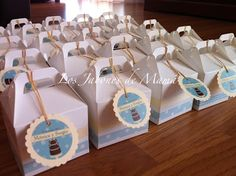 Cupcake de jabón en caja decorada, con tarjeta personalizada.
