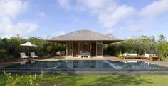 L hôtel de luxe Amanyara propose un cadre moderne dans l'harmonie tropicale dont bénéficie l'île.