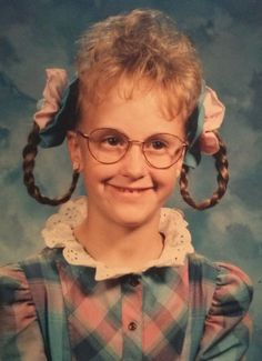 And the winner of Picture Day is. (submitted by Lizzie) - Leipziger Allerlei Retro Haircut, Vintage Haircuts, Funny Family Photos, Awkward Pictures, Hilarious Pictures, High Hair, Family Humor, Remy Hair Extensions, Picture Day