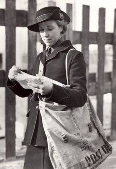 Vintage photo of mail carrier. Pocket Letter, Post Bus, Boris Vian, Foto Picture, Mail Call, You've Got Mail, Going Postal, Mail Delivery, Special Delivery