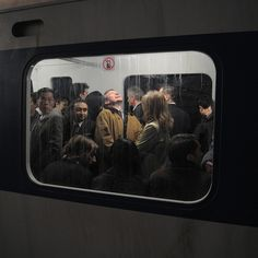 Take a look at this modern photojournalism that accidentally looks like Renaissance Paintings. These awesome pictures nailed the Renaissance art look, and they weren't everything. Renaissance Paintings, Renaissance Art, Film Photography, Street Photography, Nostalgia Photography, Framing Photography, Photography Lighting, Documentary Photography, Retro Vintage