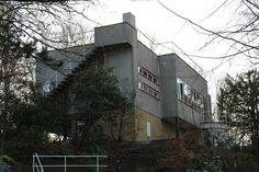Maison du docteur Ley (1934) 200, avenue du Prince d'Orange Bruxelles Architecte : Louis Herman De Koninck.