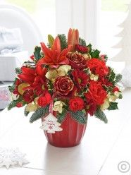 I would send this Festive Red and Gold Arrangement to both of our Mum's on Christmas Eve. Christmas Flower Delivery, Same Day Flower Delivery, Christmas Flowers, Best Christmas Wishes, Christmas Gift Tags, Merry Christmas, Online Flower Shop, Order Flowers Online, Table Centerpieces