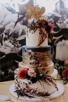 Metallic accents with floral touches and oh so delicious! Autumn Wedding Cakes, Metallic Wedding Cakes, Black Wedding Cakes, Themed Wedding Cakes, Wedding Cake Rustic, Fall Wedding Decorations, Elegant Wedding Cakes, Wedding Desserts, Wedding Ideas