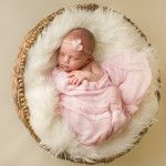 Custom photography for newborns, babies, children, family, maternity & couples