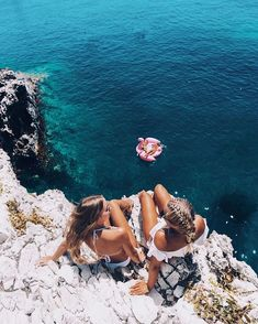 Are you interested in taking a short weekend trip or an extended vacation? If you are, you will find that you, literally, have an unlimited number of destinations to choose from Summer Pictures, Beach Pictures, Best Friend Goals, Best Friends, Summer Vibes, Beach Foto, Beach Please, Shotting Photo, Summer Goals
