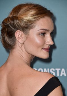 Actress Rosie Huntington Whiteley arrives at Variety's Power Of Women Luncheon at the Beverly Wilshire Four Seasons Hotel on October 9 2015 in Beverly. Rosie Huntington Whiteley, Hair Styler, Glamour, Hair Game, About Hair, Hair Trends, Short Hair Styles, Hair Makeup, Hair Cuts