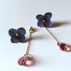 スワロフスキーと白紫陽花のピンキーリング