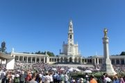 Shore excursions, Fatima, Private & Sintra Guided Tours In lisbon Lisbon Tours, Day Trips From Lisbon, Shore Excursions, Walking Tour, Tour Guide, Night Life, First Time, Traveling By Yourself, City