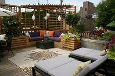 Idee für die Gestaltung einer Dachterrasse mit Sitzecke und Chaiselonge