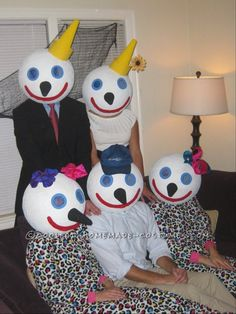 Coolest Jack-in-the-Box Family Costume... This website is the Pinterest of costumes