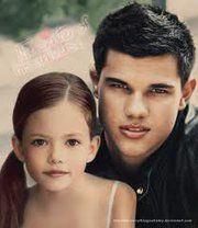 Renesmee Cullen (Mackenzie Foy)  & Jacob Black (Taylor Lautner) - 'Breaking Dawn part 2'