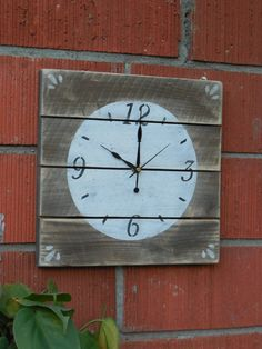 Clock Rustic Fence Wood Pallet clocks hand made by Sylly123, $34.00