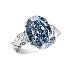 Até há alguns meses atrás, antes da revolução do anel de diamante da Shawish, o Anel Chopard Diamante Azul era o anel mais caro do mundo.  De qualquer forma, ele ainda faz parte do clube desse seleto grupo de anéis.  Avaliado em US$ 16,26 milhões, o anel possui um diamante azul como pedra central,  acompanhado de diamantes laterais, todos cravados em um belo aro de ouro branco 18K.