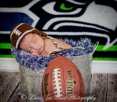 Awww..tooo cute... I wanna have a little boy..... so would do this with a Cowboys background. ..... Precious baby♥ #think BLUE