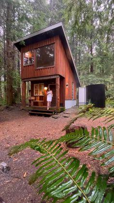 Tiny House Living, Tiny House Cabin, Tiny House Storage, Cozy House, Minimal House Design, Tiny House Design, Cabin Design, Tiny Cabins, Cabins And Cottages