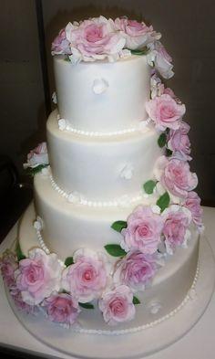 violett rosen muster hochzeitstorte ideen vier Torte