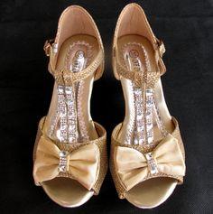 df2ca346c45 Παπούτσια για Παρανυφάκια - Επίσημα Παπούτσια για Κορίτσια :: Παιδικά  Σανδάλια, Γοβες Νούμερα 30