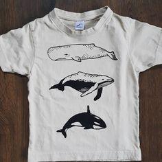 Pro dětičky 🐬🐋🐳 #sitotisk #tisk #triko #tricko #deti #prodeti #kids #forkids #printoftheday #printing #print #whale #killerwhale… Killer Whales, Printing, Mens Tops, Kids, T Shirt, Instagram, Art, Fashion, Young Children