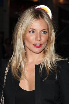 sienna miller - great makeup example - this just goes to show what 3 items can do - loads of black mascara, bronzer & a matte red lipstick - LOVE this look Her hair is fine like mine, but that ends ANY similarity