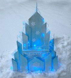 Learn how to make my version Elsa's Ice Castle inspired by the movie Frozen. It has a removable top so it can be used as a gift box or a storage container. Free downloadable pattern and video tutorial.