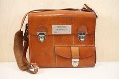Vintage Messenger Bag via Designer Sweden. Click on the image to see more!