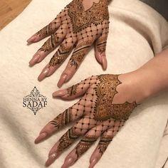 Pretty Henna Designs, Indian Henna Designs, Floral Henna Designs, Latest Henna Designs, Modern Mehndi Designs, Mehndi Design Photos, Mehndi Designs For Fingers, Dulhan Mehndi Designs, Mehndi Designs For Hands