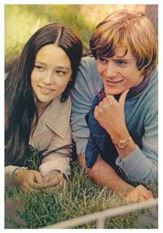 Young teens went nuts for Leonard Whiting and Olivia Hussey in 1968 when their Romeo & Juliet film came out William Shakespeare, Leonard Whiting, Olivia Hussey, Susan Sarandon, Marlon Brando, Jack Nicholson, Zeffirelli Romeo And Juliet, Old Film Stars, Romeo Und Julia