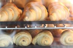 Classic French Croissant Recipe Fun Food, Good Food, Yummy Food, Bake Off Recipes, Cooking Recipes, French Croissant, Cupcake Cakes, Cupcakes, Croissant Recipe