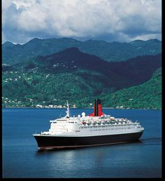 Queen Elizabeth 2 at sea. Cunard Line, Cunard Queen Elizabeth, Queen Mary 1, Cunard Ships, Most Haunted Places, Steamboats, Wonders Of The World, Sailing Ships, Rotary Club