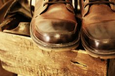 http://chicerman.com  stardotcreations:  Inside my shop. Burnished my old boots. A couple of my favorite tools especially our 103 year old SINGER 29K-2 leather cobbler sewing machine  #accessories