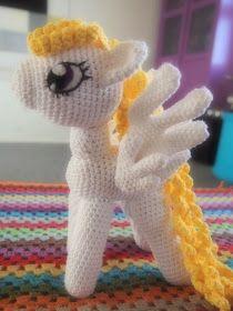Over den sidste stykke tid har jeg hæklet en sød lille hest efter denopskrift på My Little pony som denne blogger har lavet. Dog har jeg l...