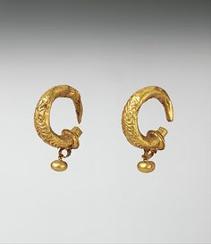 Gold earrings, Etruscan, Classical period, circa 4th-3rd century BV