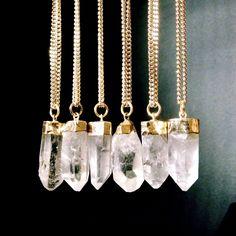 Rohe Crystal Necklace, Quartz Crystal Point Anhänger Halskette, Boho Schmuck by AtelierYumi on Etsy