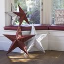 Our Amish Metal Barn Stars are available in 2 sizes and 6 colours. Please note these are made from recycled tin and so they all vary in the amount of rust, paint distressing, small holes, knocks and bumps - no two are the same! Rock My Style, Style Uk, Amish Barns, Metal Barn, Metallic Paint, Rust Paint, Star Decorations, Welcome Gifts, Distressed Painting