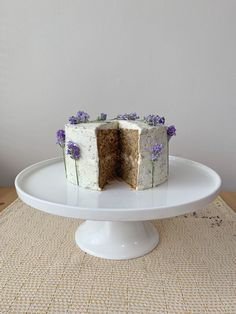 Earl Grey Cake with Lavender Frosting Earl Grey Cake, Earl Gray, Cake Recipes, Dessert Recipes, Desserts, Lavender Cake, Culinary Lavender, Drip Cakes, Cute Cakes