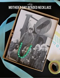 DIY Mother's Day necklace and photo packaging idea