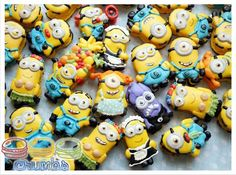 Join Minion Mania with inspiration for themed cupcakes and other sweet treats and learn to make a fondant Minion figure with step-by-step instructions! Minion Cookies, Fun Cookies, Cake Cookies, Minion Cupcakes, Sugar Cookies, Minion Baby, Minion Birthday, Minion Theme, 4th Birthday